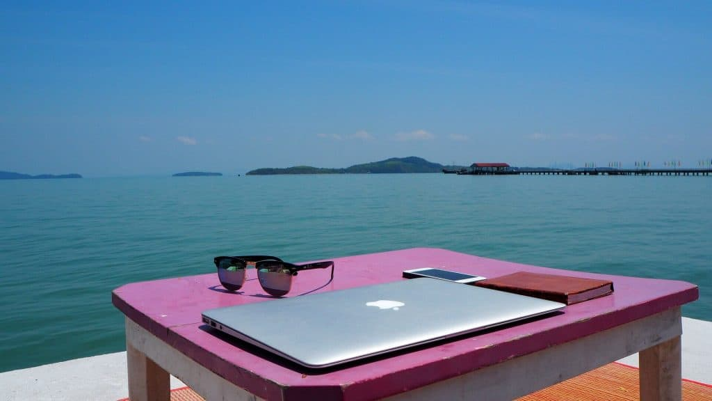 How To Be A Digital Nomad With No Skills