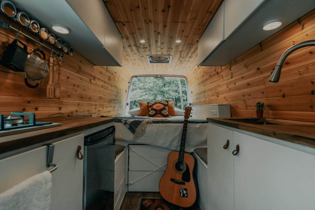 how to make money living in a van